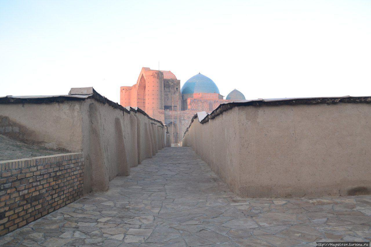 Мавзолей Арыстанбаб, Казахстан