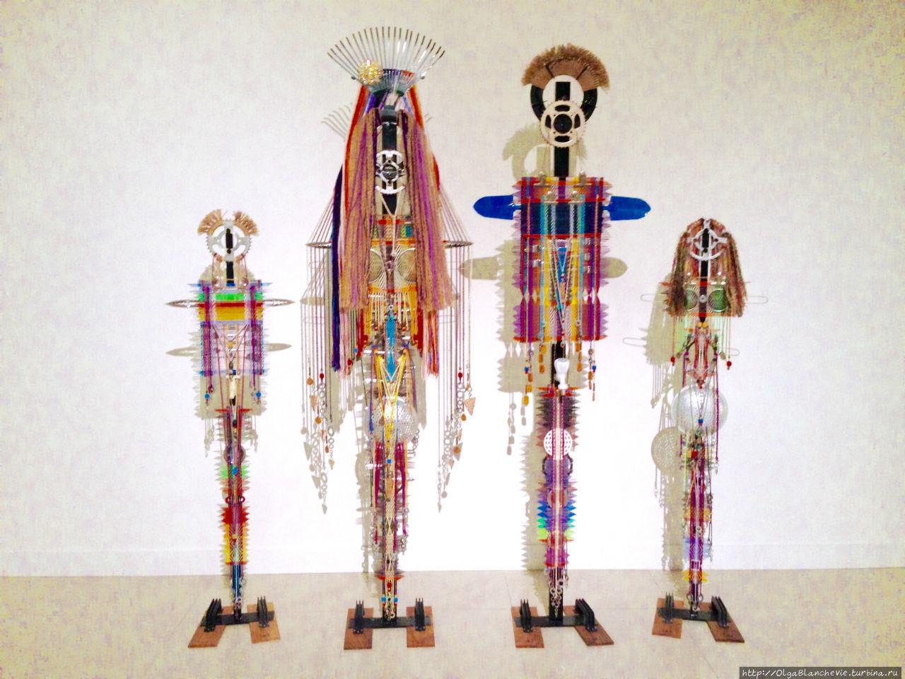 Арт-объект by Anna Semat. Kasih, Ibu, Ayah dan anak-anak.