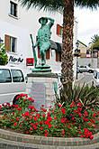 типичный памятник для Гибралтара, именно такие тут преобладают