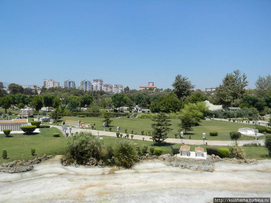 Парк прекрасный, но есть минус — ни капли тени