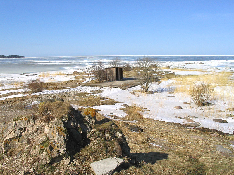 Замерзшее море зимой