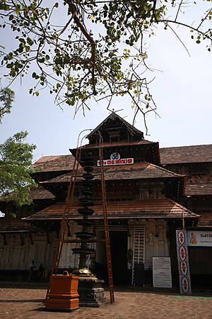Древний храм Шивы, штат Керала