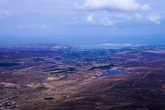 Атлантика видна вдалеке на западе, до неё километров десять. А откуда-то из тех деревень происходят ещё одни известные музыканты – группа