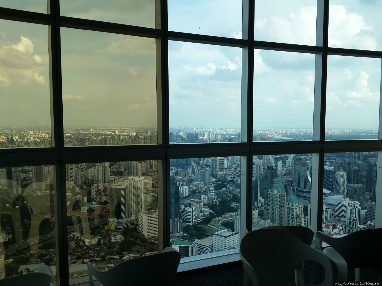 84 этаж Башни Байок. Красота, но за стеклом
