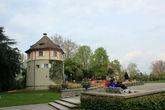 Средневековая Садовничья башня — часть старинного крепостного укрепления, здесь расположен информационный центр региона Бодензее.