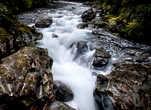 Речка Кледау стала знаменитой, уйдя вглубь Земли и образовав The Chazm