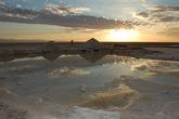 Фотография снята в  сентябре 2010 года. Рассвет в соляной пустыне Шотт-эль-Джерид  (Тунис)