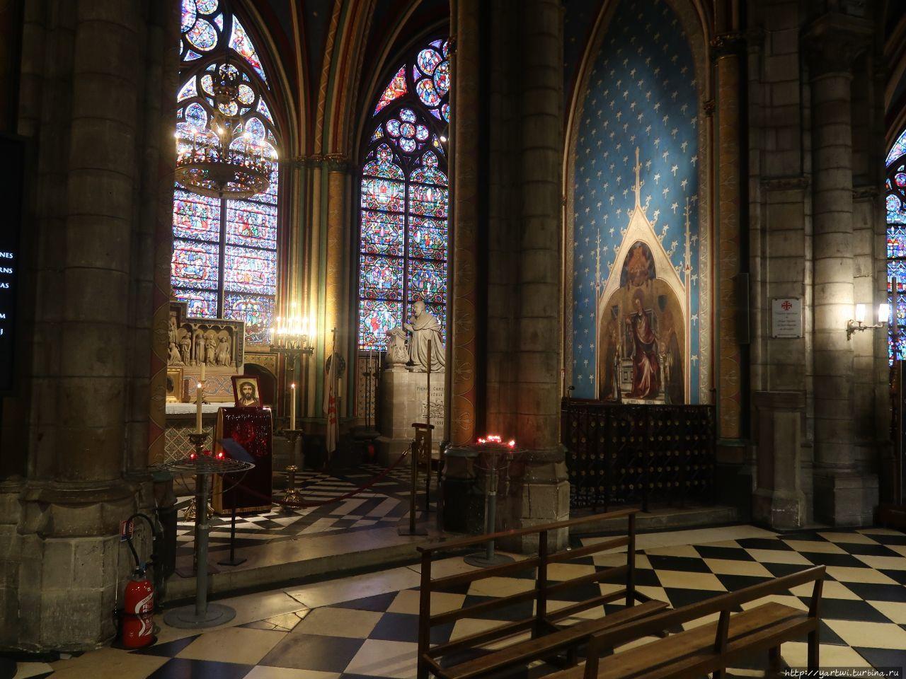 В соборе Парижской Богома