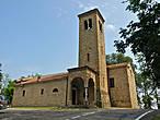 Информации о церквях, которые я встречала на дороге у меня нет, но по своей конструкции они похожи на достаточно древние постройки.