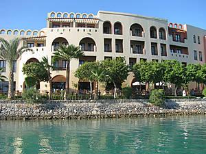 Отели Марины