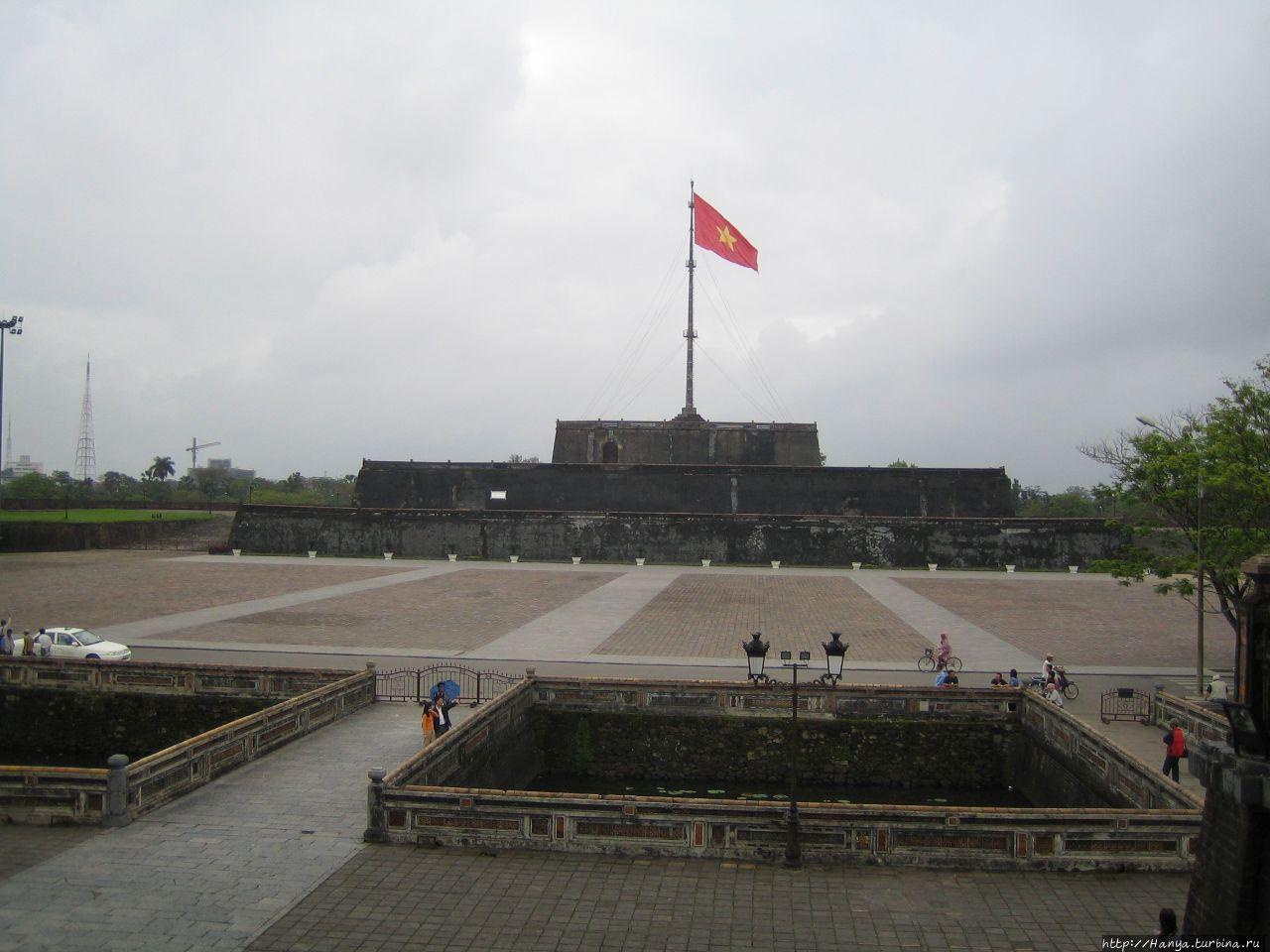 Хюэ. Флаговая башня Цитад