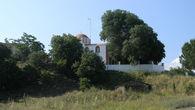 Вид церкви со стороны моря
