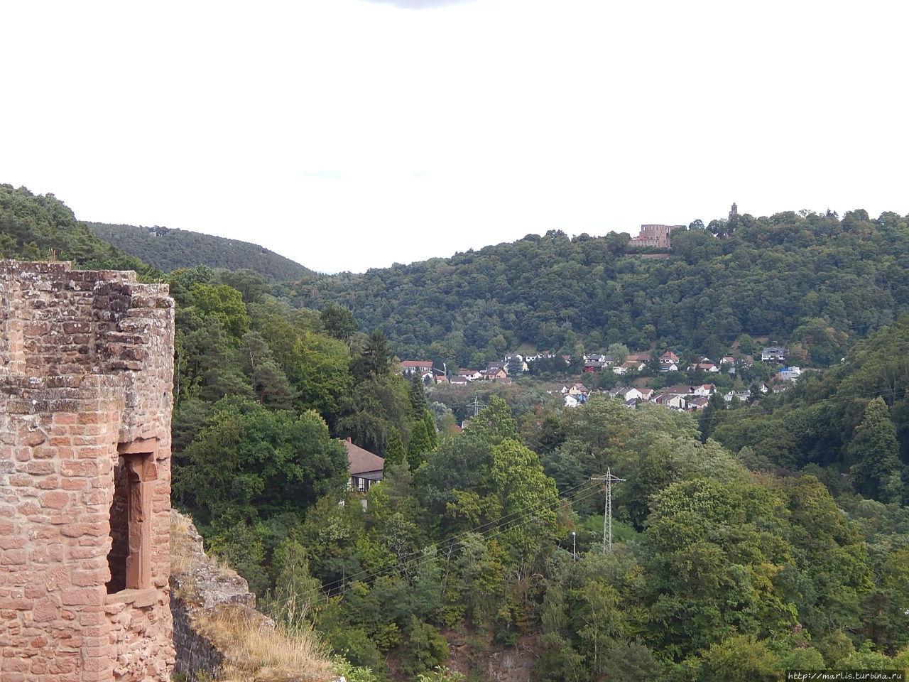 На горизонте монастырь Лимбург