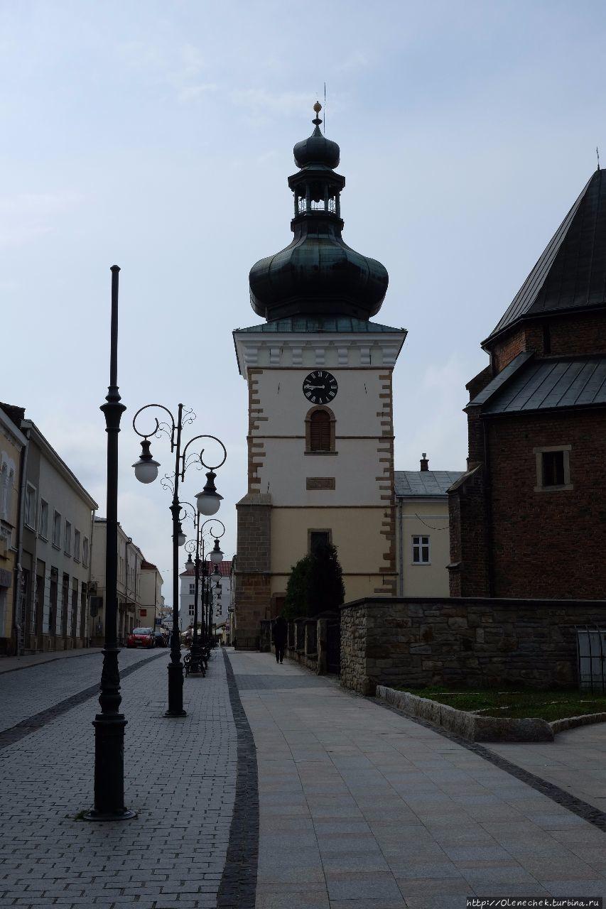 Колокольня базилики Свято