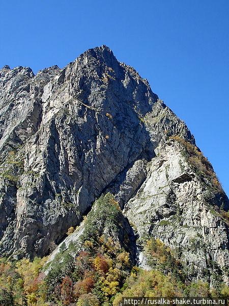 Гора «Монах» — суровый хранитель Цея Цей, Россия
