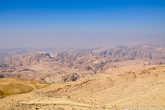 Двигаясь к заветной цели, можно посмотреть на восхитительные пейзажи Иорданской земли.