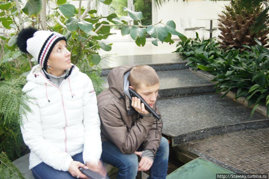 Михалыч слушает сказки аудио-гида
