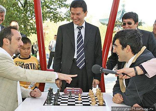 Топалов (слева) и Крамник