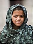 Еще удивляет взрослый взгляд индийских детей. Они слишком рано узнают жизнь такой, какая она есть... *