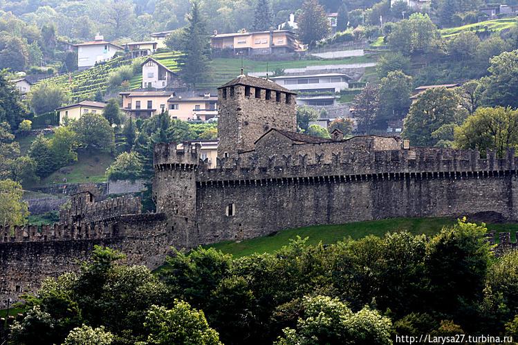 Замок Монтебелло