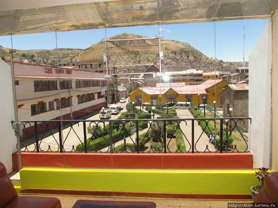 Стеклянная стена и балкон