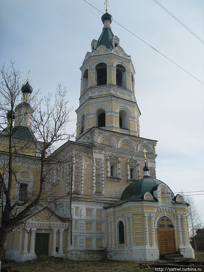 Рождественский собор вблизи Солигалич, Россия