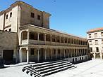 У монастыря Санта-Клара
