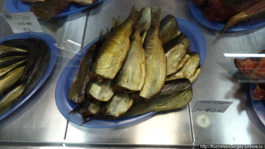 Красная рыба, икра и крабы