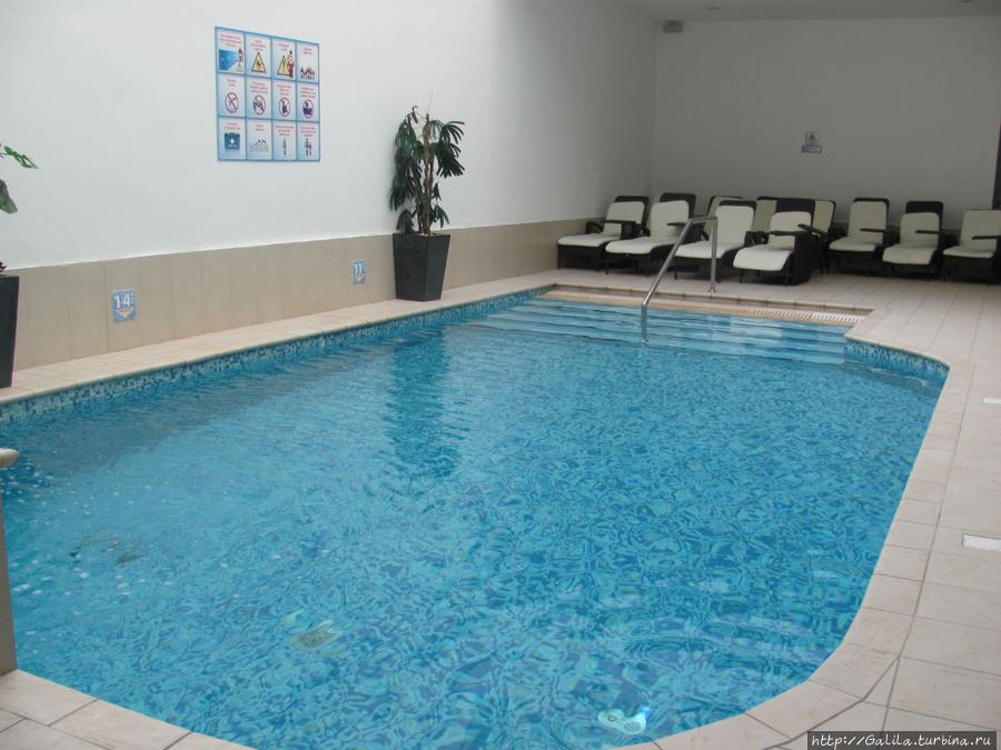 бассейн.