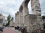 Древний аккведук.