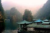 Прекрасное озеро Баофэн.  Осенние горы на дальнем плане — это желание чуть по-своему рассказать эту сказку