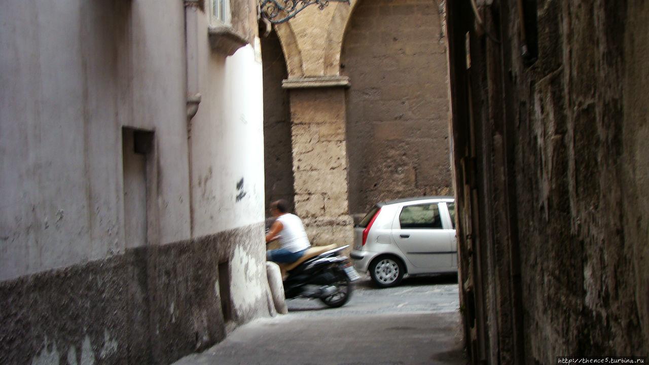 Таранто  вдали от капремонта Таранто, Италия