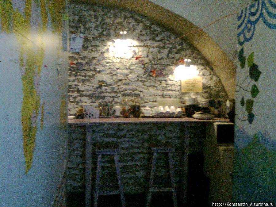 место, где можно попить чай/кофе, воспользоваться холодильником и микроволновой печью -1