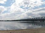 Железнодорожный мост называется Романовским, он построен еще до революции