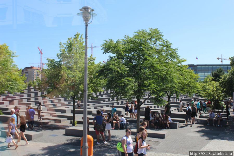 Мемориал памяти убитых евреев Европы в Берлине. Holocaust Mahnmal