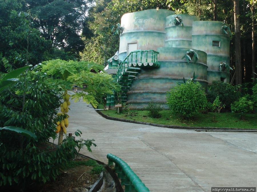 Домик-бамбук