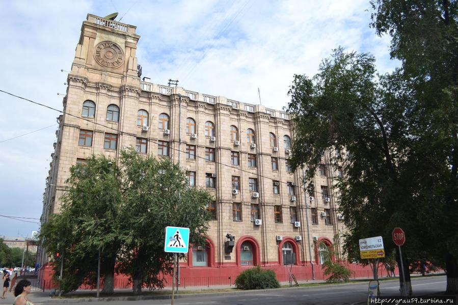 Вид здания со стороны улицы Мира