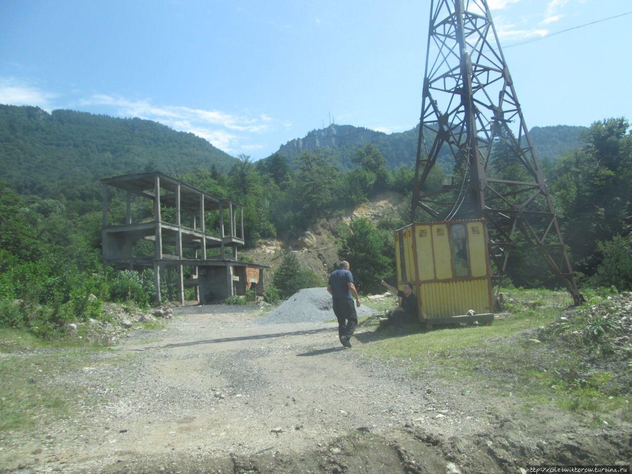 Поездка автостопом на перевал за Ткибули Ткибули, Грузия