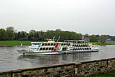 К Пильнцу из Дрездена можно добраться используя паромную переправу через Эльбу...как раз ориентированную на туристов.