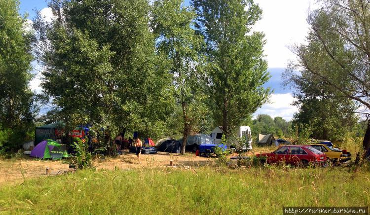 Многие палатки летом стоя