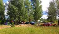 Многие палатки летом стоят неделями