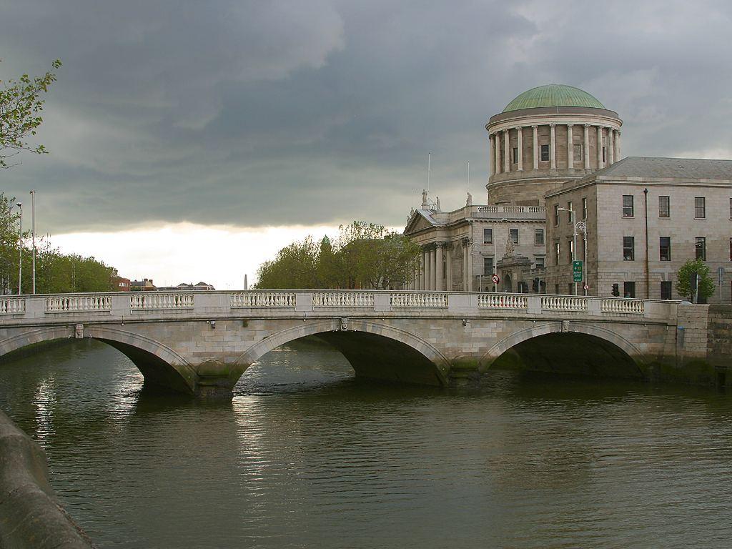 Four Courts, Википедия