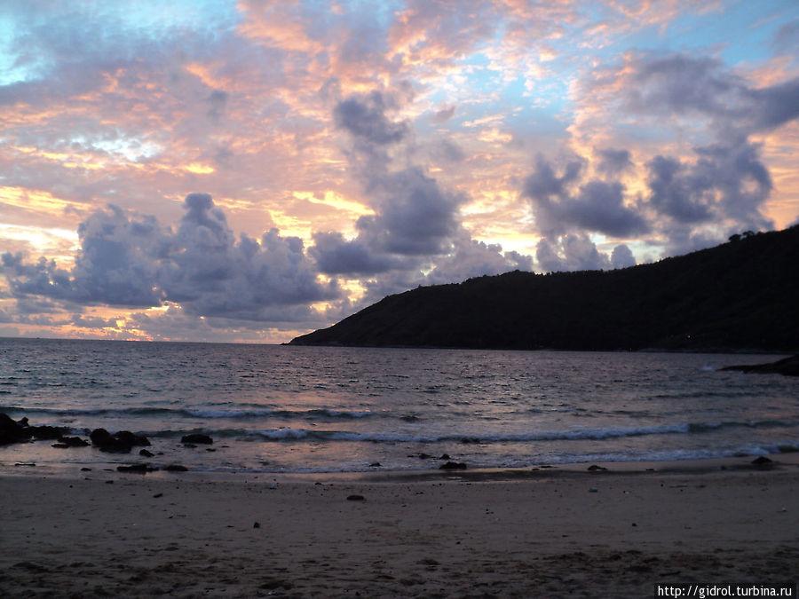 Закат над Yanuy Beach.