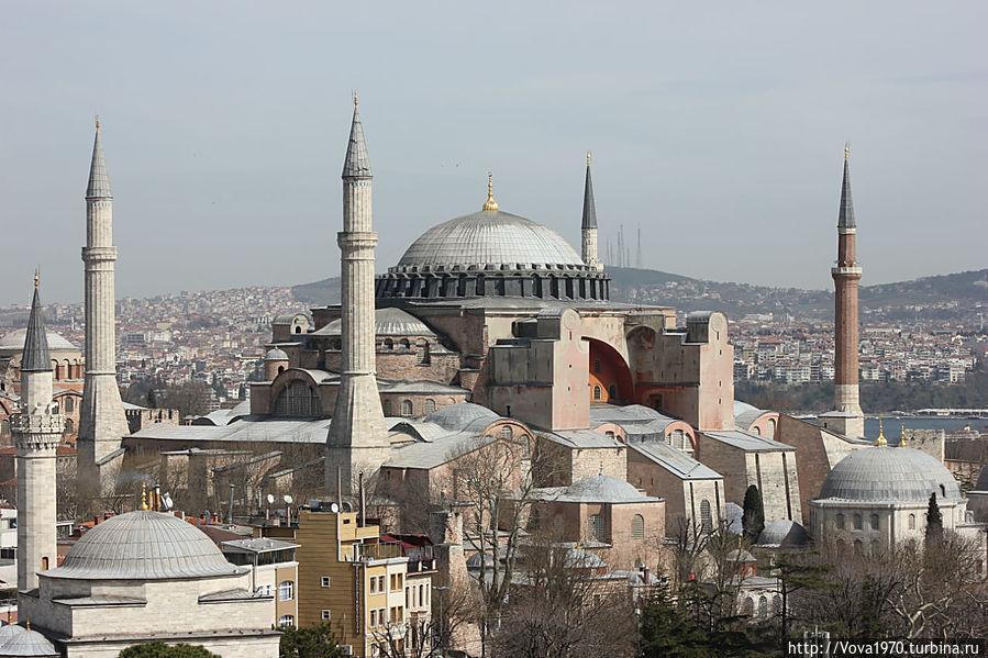 Айя София и мечеть Фируз Ага.