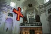 Крест и орган в Ноймюнстере