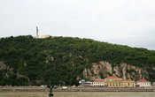 гора Геллерт и памятник Свободы на верху