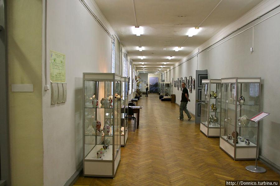 Кроме всего озвученного в музее есть много всякой всячины, например мы случайно попали на выставку фарфора