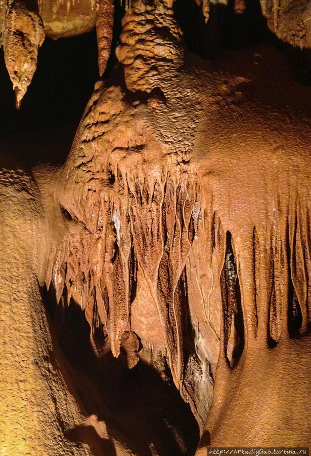 пещера Бом-Обскюр Сен-Валье-де-Тье, Франция