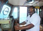 Капитан яхты — Джеймс
