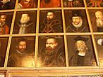 327 портретов, 26 национальностей представлены в портретной галерее, 15 царствований.